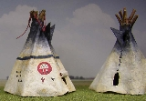 Artistry on tipis